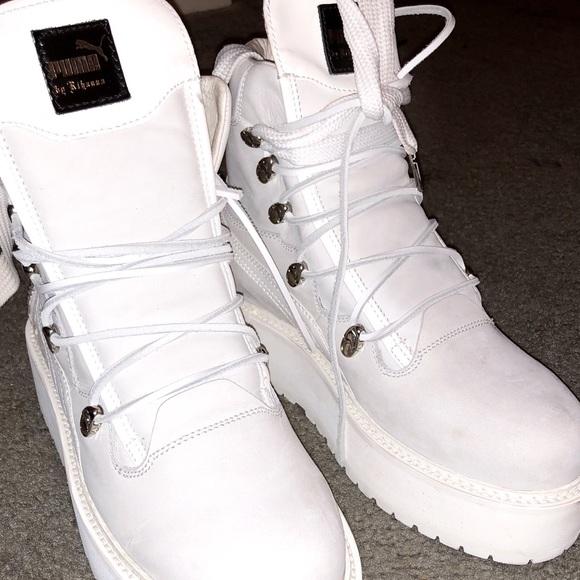 brand new e9d76 dc0a0 Size 10 FENTY PUMA boots! Worn once.